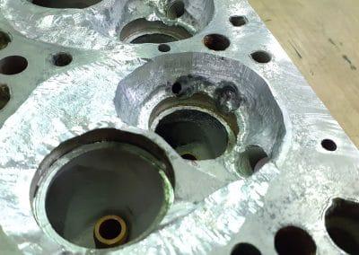 4 - Préparation de la culasse enlèvement de l'aluminium oxyder